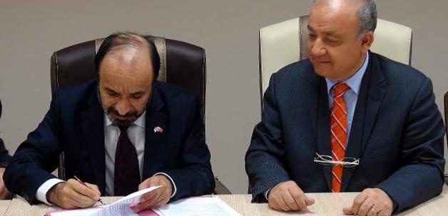 Tunceli Üniversitesi mezunları için imza